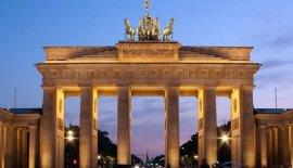 德国十大标志性建筑:勃兰登堡门上榜
