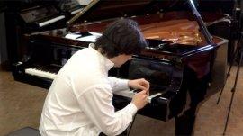 世界上最快的手指,每秒敲击钢琴键13次