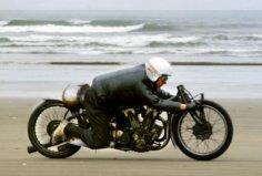 世界上最快的印第安摩托,伯特·孟若1万CC世界纪录