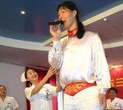 世界上最高的女人来自中国比姚明还要高11CM